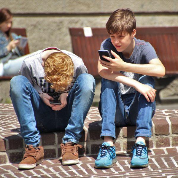 Smartfoni i tinejdžeri – da li je situacija alarmantna